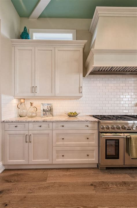 off white subway tile 17 best ideas about off white cabinets on pinterest