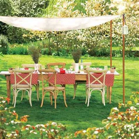 Picnic Table Canopy by Perk Up A Picnic Easy Canopy 25 Thrifty Ways To Create