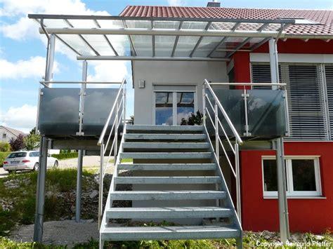 kosten glasgeländer treppe balkon mit treppe kosten treppe mit terrasse