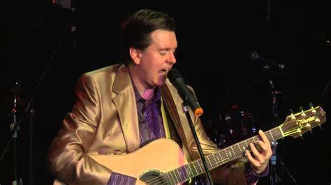 glen cbell country music star no 1 wichita lineman the music of glen cbell leisa way