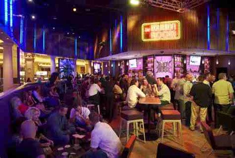 top bars in las vegas best themed bars in las vegas nevada thrillist