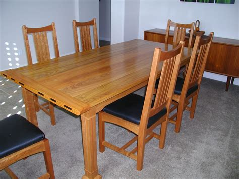 Arts And Crafts Dining Room Table Len S Arts And Crafts Dining Table The Wood Whisperer