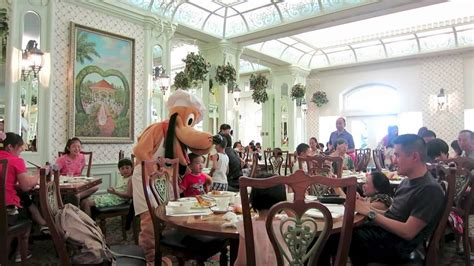 hong kong disneyland hotel character breakfast hkdl youtube