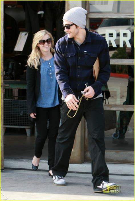Jake Gyllenhaal Romancing Reese Witherspoon by Sized Photo Of Reese Witherspoon Jake Gyllenhaal