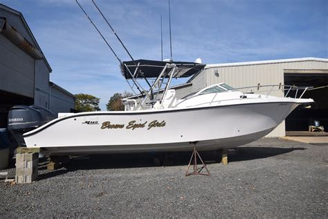 mako boats shallow water 36 mako center console express twin yamaha yes warrantied