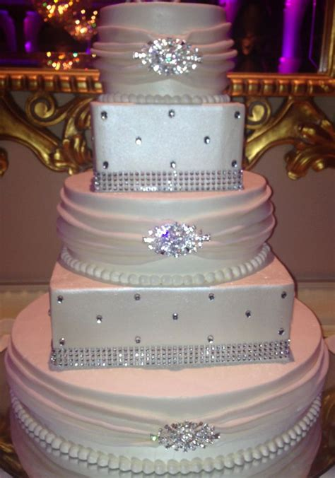 595 best images about designercakes on shoe cakes louis vuitton and handbag cakes