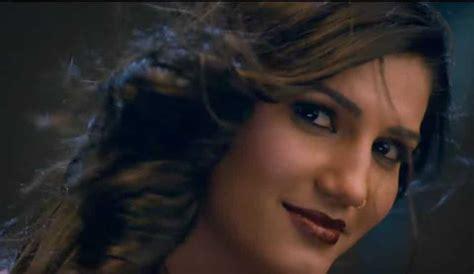sapna choudhary love bite bigg boss 11 contestant sapna choudhary makes bollywood