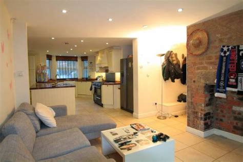 livingroom leeds 6 bed kensington terrace student house leeds pads for students