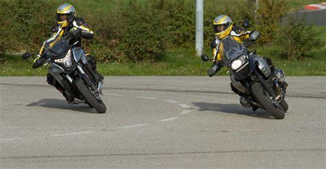 Motorrad Fahren Kurven Tipps by Aktiv Motorrad Fahrtechnik