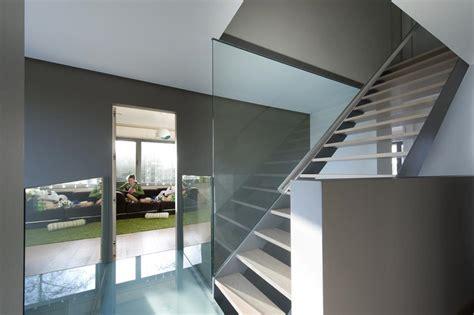 balustrade langs trap glazen wanden dq glasservice