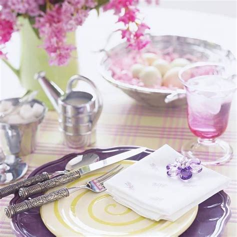 Cream And Green Bedroom Ideas - purple pink and green color combinations for easter table decoration