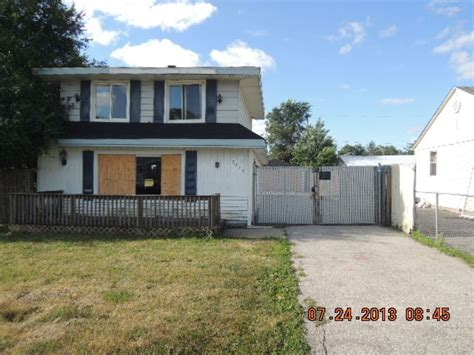 7025 w 71st pl chicago illinois 60638 reo home details