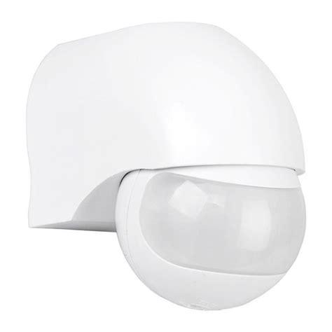 robust outdoor security pir motion sensor bulkhead wall outdoor 180 degree security pir motion movement sensor detector switch white ukew 174 uke whi ip44