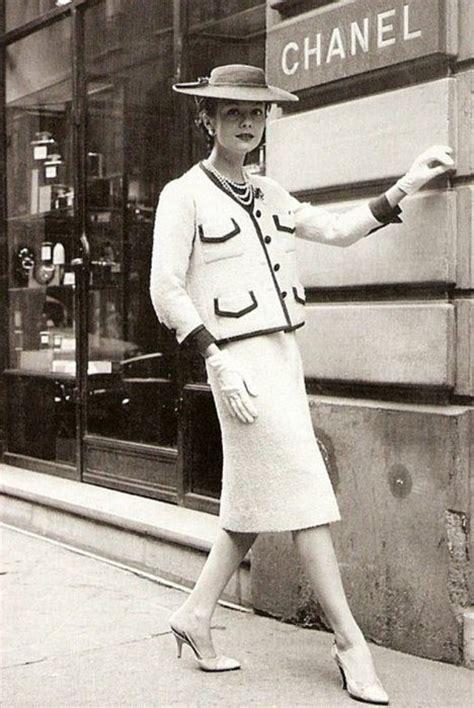 classic chanel suit vintage fashion