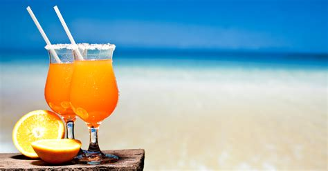 cocktail drinks on the beach tropical drinks on the beach www pixshark com images