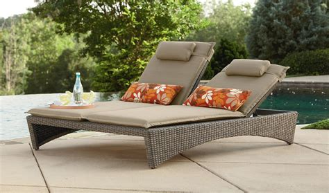 outdoor lounge chairs to be placed in your backyard or