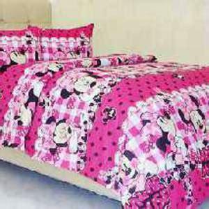 detail product sprei dan bedcover minnie polkadot ungu