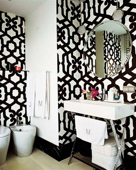 Black And White Bathroom Wall Decor by Black White Wallpaper Decorating Bath Room Lavatory