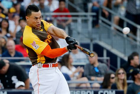 giancarlo stanton wins all home run derby the