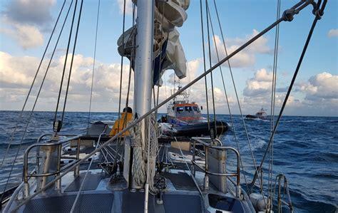 noodsignaal scheepvaart knrm in actie na noodsignaal op zee nieuws op westlanders nu