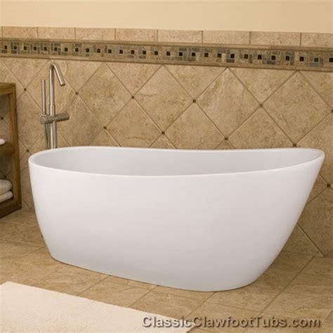 68 quot candra oval acrylic freestanding tub bathroom 68 quot acrylic free standing slipper tub classic clawfoot tub