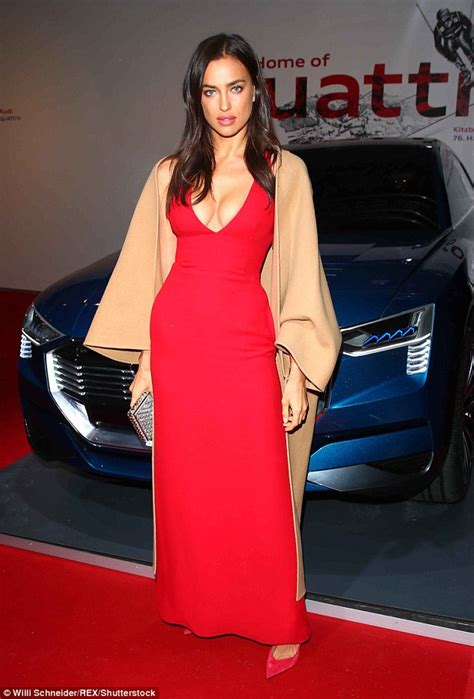 Audia Dress by Irina Shayk Shows Le Assets In Hip Hugging Dress At