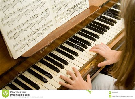 tutorial piano photograph piano lessons stock photography image 2619962