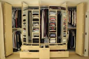 wardrobe design for organizing walk in closet furnishings