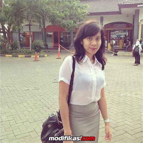 Kemeja Songket Palembang 27 foto dokter asri yang suka pakai baju transparan kelihatan bra