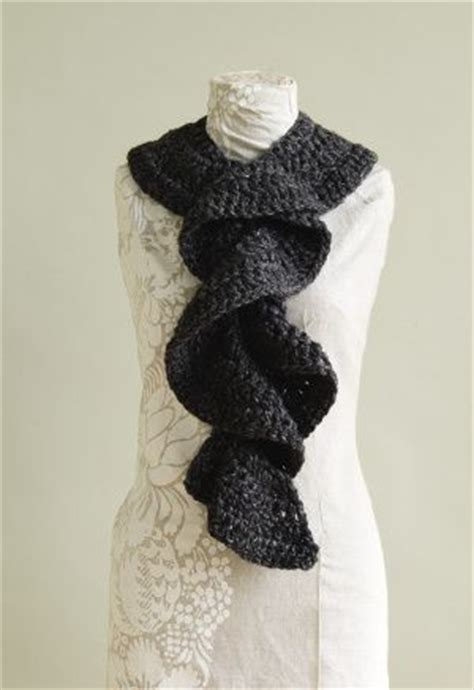 easy knitting pattern ruffle scarf flirty ruffle scarf crochet wool yarns and patterns