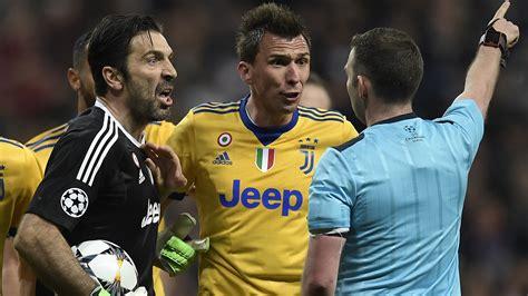 ronaldo juventus card not like this gigi sad sorry end for buffon s chions league