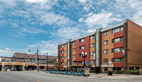 rogers park 1 bedroom apartments reside on morse rentals chicago il apartments com