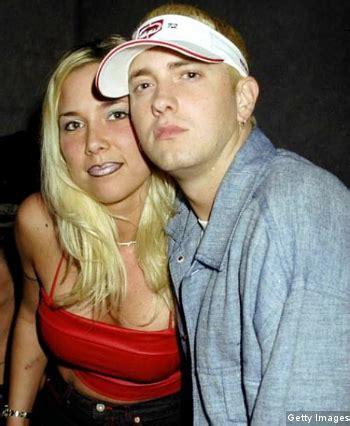 Eminem Istri | eminem kembali dekat dengan mantan istri kabar berita