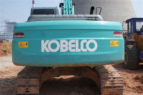 sell used excavator kobelco sk200 china construction