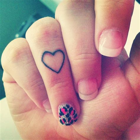 finger tattoos pinterest finger tatted