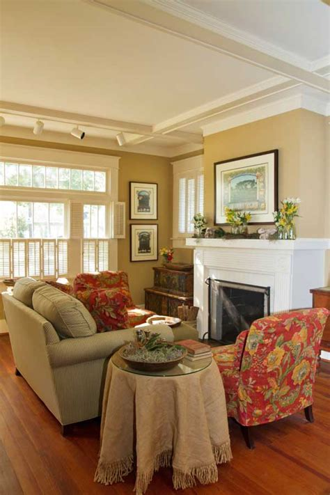 Bungalow Living Room Design by 1920s Bayou Bungalow House