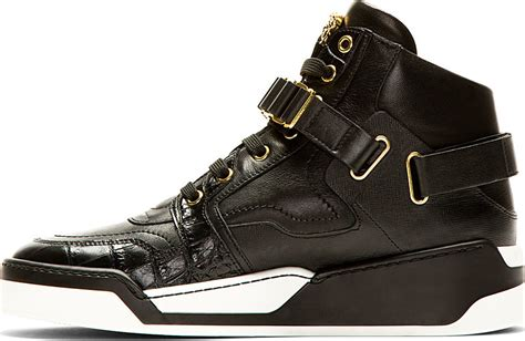 Sepatu Reebok One Trainer 1 0 up with these outlandish 1 295 versace sneakers