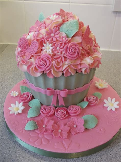 giant pink cupcake cakecentralcom