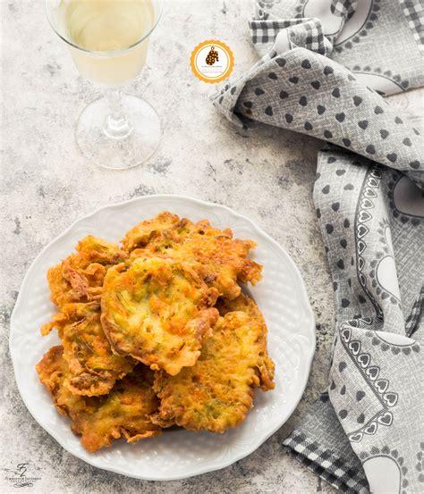 ricetta frittelle fiori di zucca frittelle di fiori di zucca croccanti facili e gustose