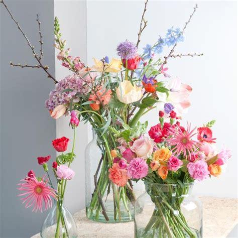 mooie bos bloemen bezorgen mooie bloemen in smerig water bloemen van loes bloemen