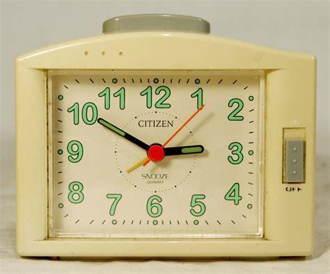Bedside Table Clock Retro Vintage Alarm Clock Snooze Bedside Table Clock