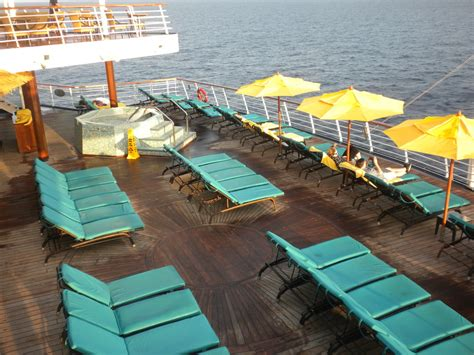 paradies decken pool spa fitness on carnival paradise cruise ship