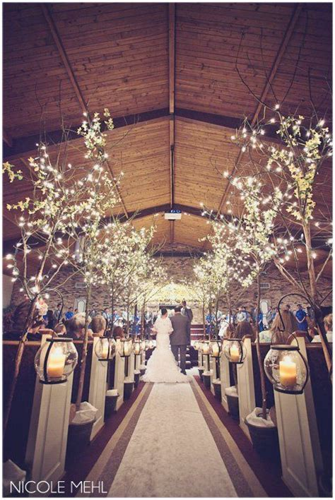 aisle trees blue/yellow/wedding #WalkerPorterfieldWedding