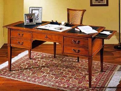scrivanie antiche prezzi scrivanie ufficio classiche legno metallo cristallo