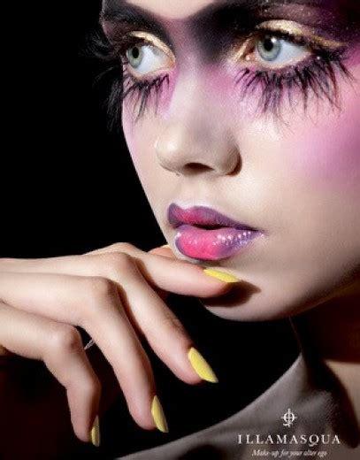 Make Up Ultima foto make up da funerale l ultima moda a londra 5 di 6