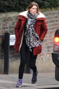what color goes with leopard print jools oliver goes make up free as she dashes through the