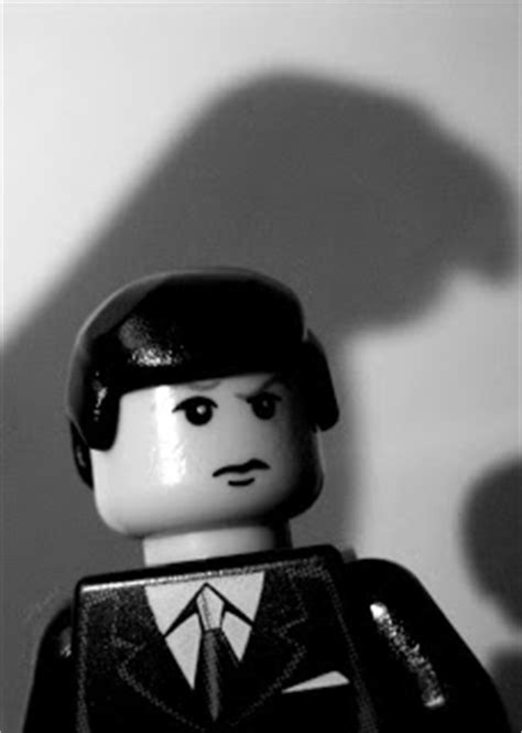 Virtual Virago: LEGO noir: The Maltese Falcon