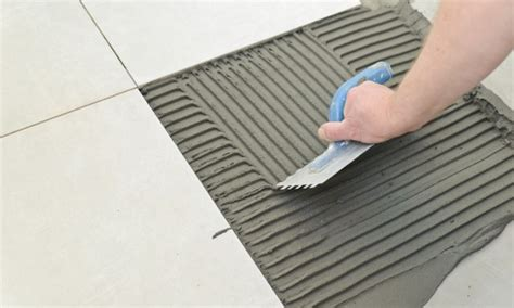 laying ceramic tile learn how to lay ceramic tile how to lay down ceramic tiles smart tips