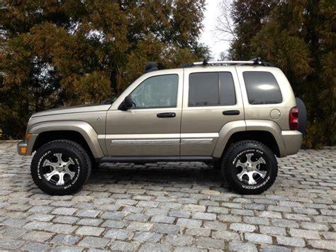 jeep liberty limited 2017 jeep liberty questions back window won t latch shut