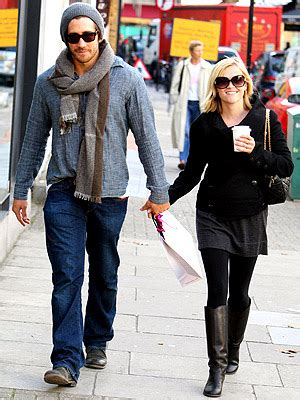 Reese Witherspoon And Jake Gyllenhaal Are Ticking Me 7 by Around The World Most Vacations Jake